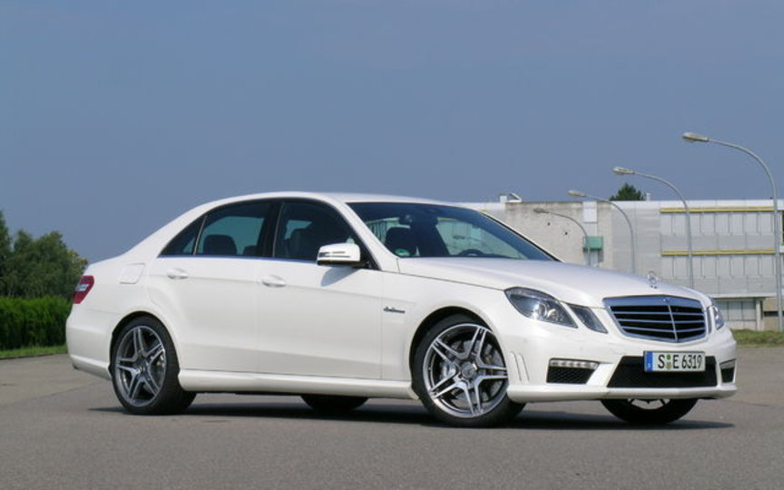 Mercedes benz e class 250 miva import export trini for Mercedes benz house of imports service